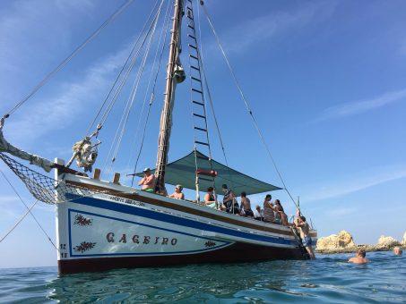 Portugal-Algarve-Gageiro-sailing-theboat-Gaffelsegler-Urlaubs-an-der-Algarve-Segeltouren-Urlaubstipps-Ausflugstipps-Daytrips-around-algarve